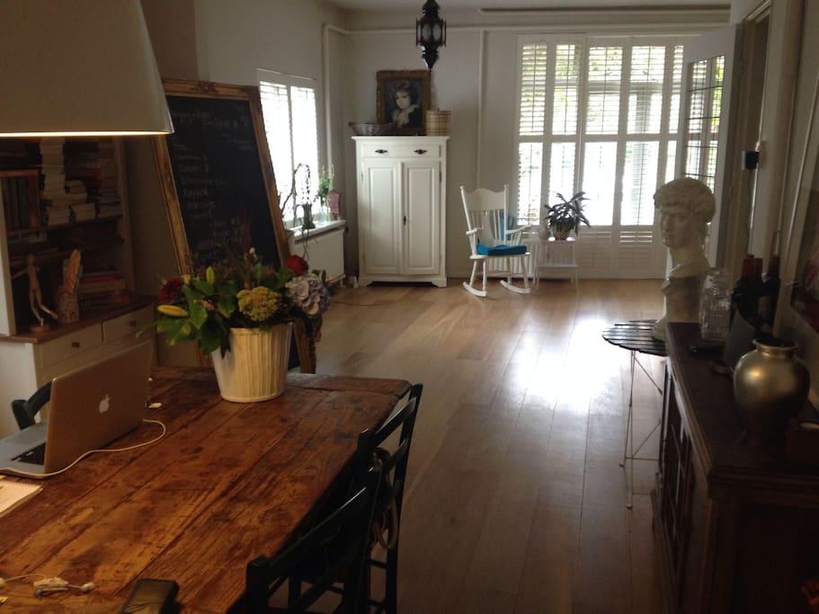 light revitalizing beach house wohnungen zur miete in den haag s d holland niederlande. Black Bedroom Furniture Sets. Home Design Ideas