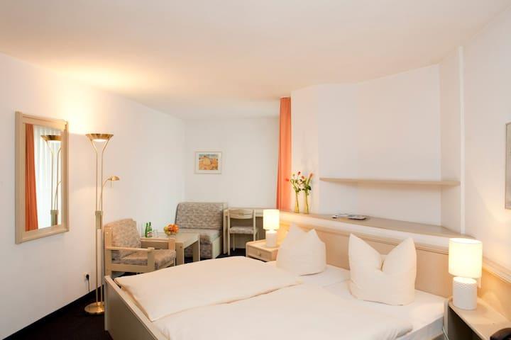Gemütlich Übernachten in Albstadt - Albstadt - Bed & Breakfast