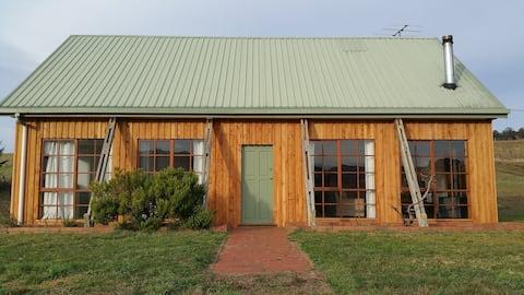 Pinot Cottage- Vineyard escape