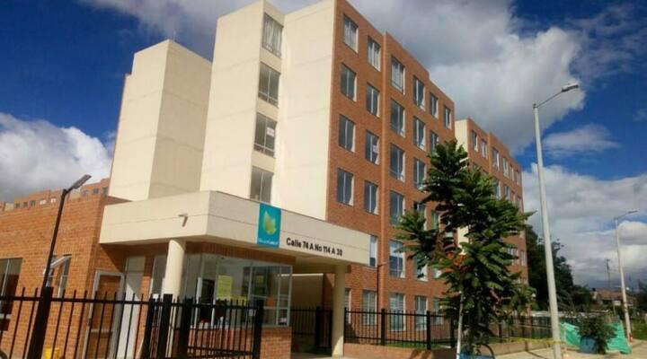 Comodo y lindo apartamento en Gran Granada cll 80.