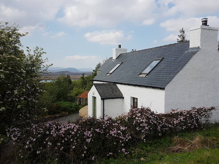 Harmony Cottage -Idyllic Hebridean Getaway