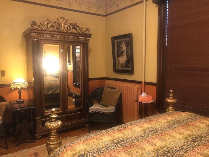 Persian Room  Queen bed 1870 Victorian