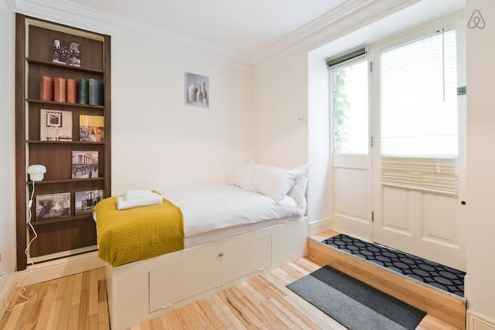 Comfy Studio in Best Area Near Dublin City Centre LEI7K201
