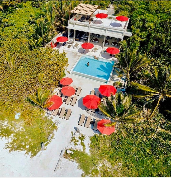 COVID-19 Compliant Secluded Luxury Beach Home