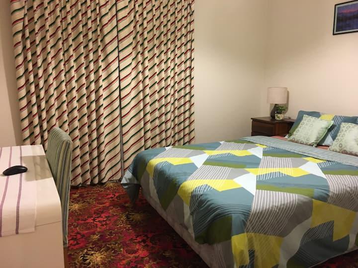 Luxury private, queen bedroom!!
