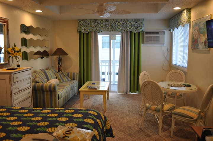 Unit 6 Ocean Side 41 st 50 steps to the beach