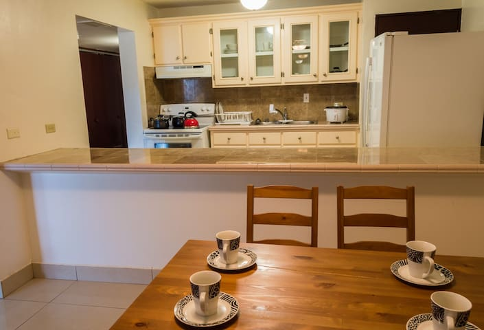 Fabulous Condo in Tumon(C)!!! - Tumon