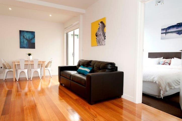 Position Perfect The Courtyard No 4 - Brunswick - Apartemen