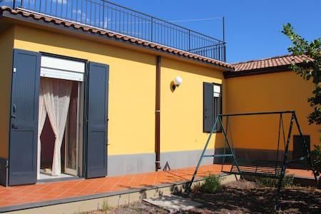 Very Comfortable Country House - Bronte - Villa