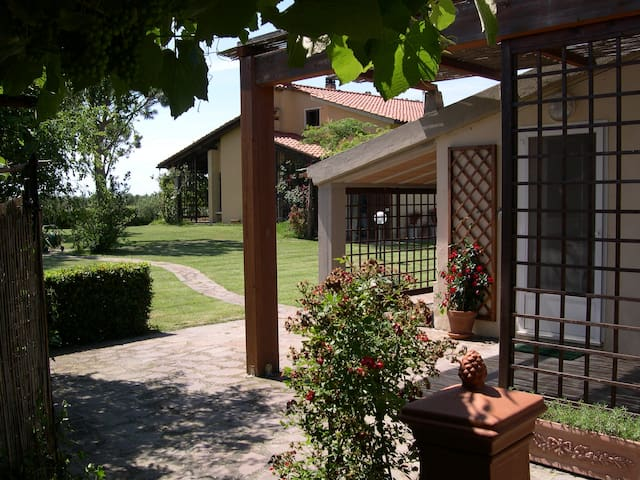 Agriturismo 3 miles from the beach - Principina A Mare - Квартира