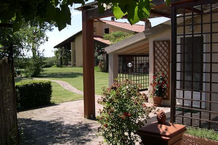 Agriturismo 3 miles from the beach - Principina A Mare - Lejlighed