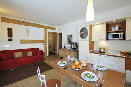 Enjoying close proximity to one of Europe's best ski resorts this spacious contemporary holiday home provides the perfect retreat for couples looking to explore Livigno and the wider Varese region.