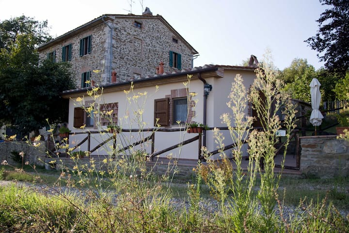 Casa Dei nella campagna Toscana