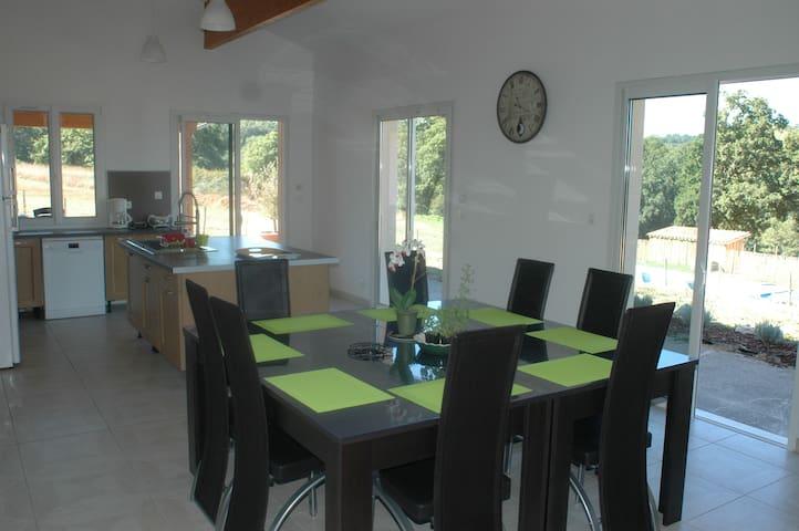 Location maison meublée 2 à 4 personnes Dordogne