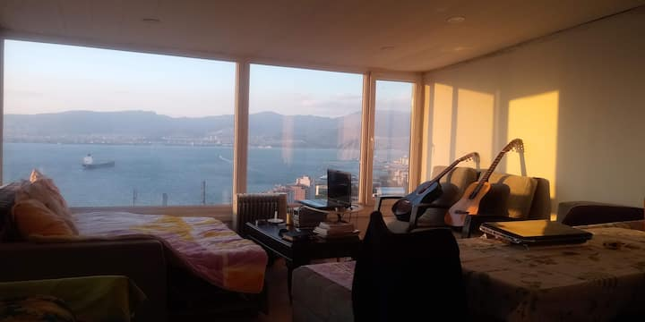 Room for rent with stunning sea view