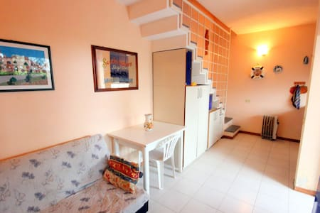 House very close to the sea with private parking