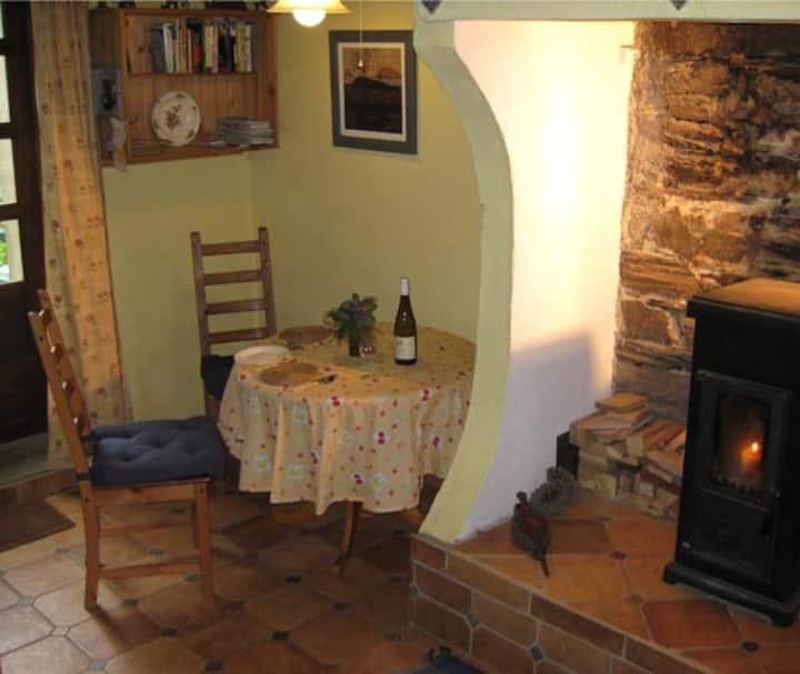 Joli petite maison   avec jardin, Vilaine vallée
