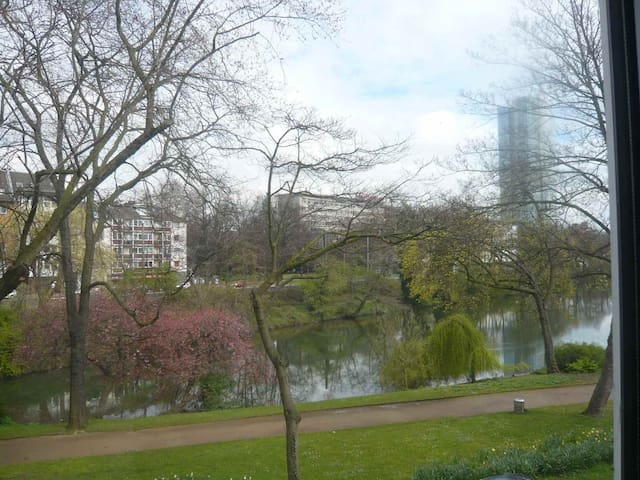 Deluxe Lakeview in the very center - Düsseldorf - Bed & Breakfast