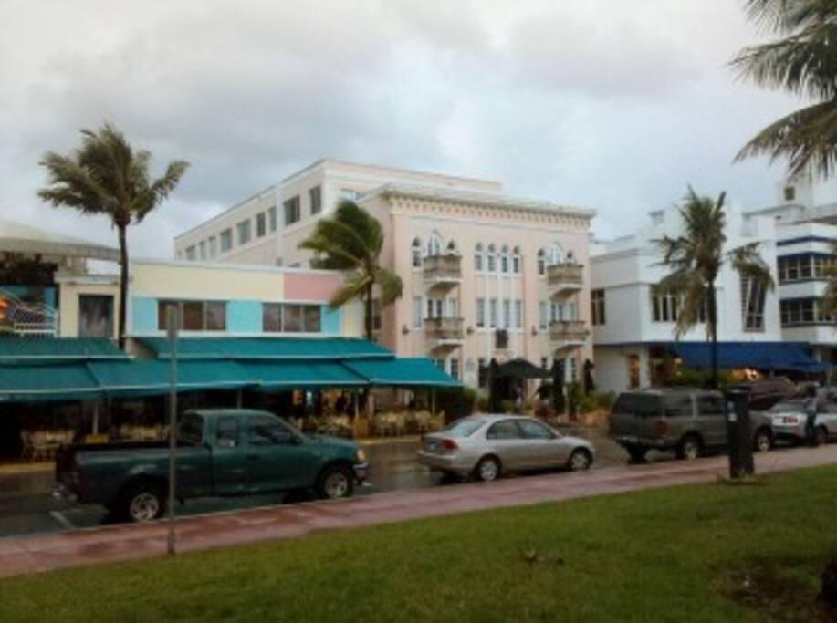 spacious comfortable condo along world famous Ocean Drive South Beach