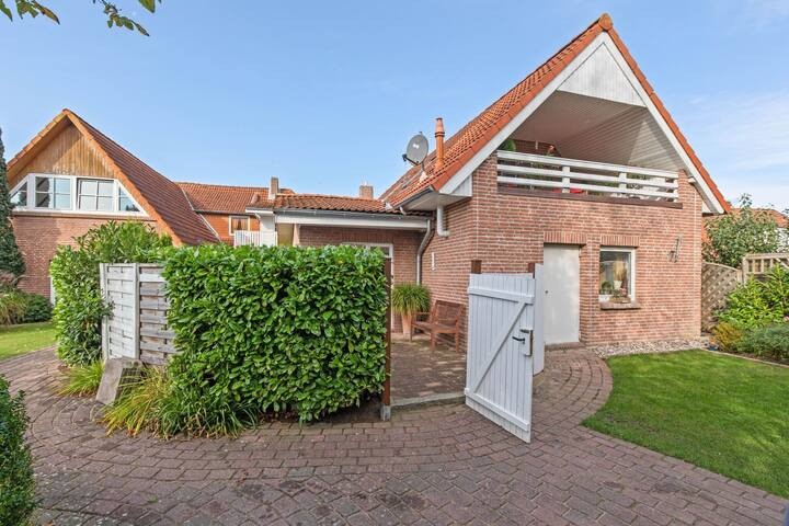 Enticing Holiday Home in Oldenburg with Garden near Sea