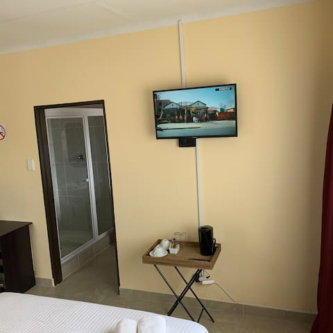 Lala Guest House, Madonsa Manzini