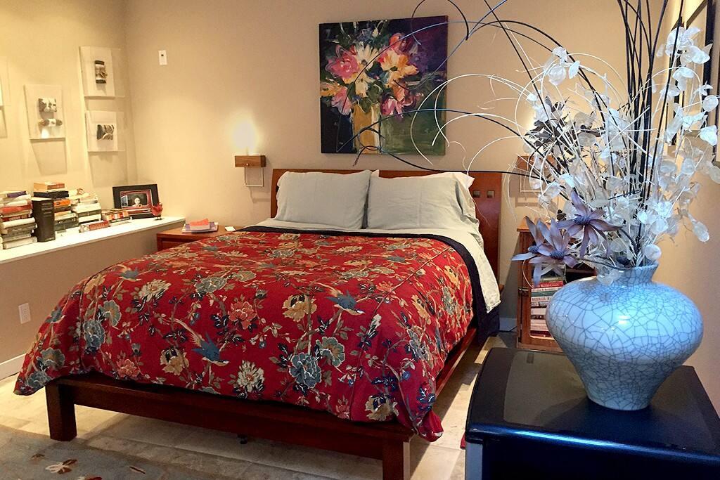 Comfortable Queen Size Bed. Designer  Linens  High Tread Count