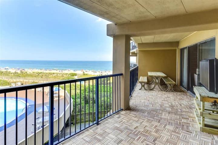 Oceanfront Remodeled Condo in High Point South