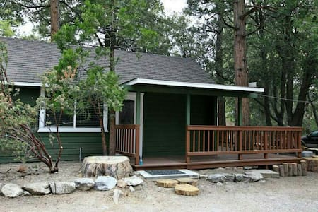 Little Hotei Green Cabin - Idyllwild-Pine Cove