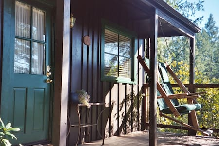 Cute Upvalley Cabin - Saint Helena