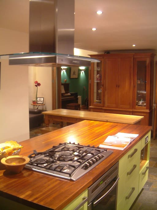 Fully equipped, open plan kitchen