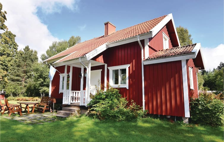 Holiday cottage with 4 bedrooms on 85 m² in Ljung