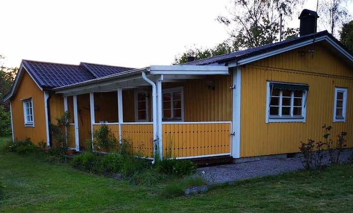 Bredäng - nära havet - close to the sea