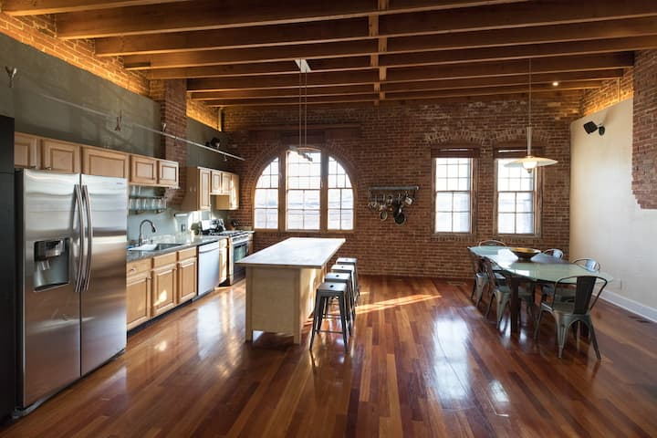 Private House, Walk to Fenway, Perfect Location!