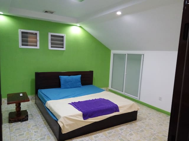 Large Private Bedroom near Olympic Stadium - Phnom Penh - Apartamento