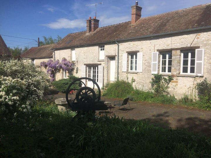 Former Farm - only 1h from Paris