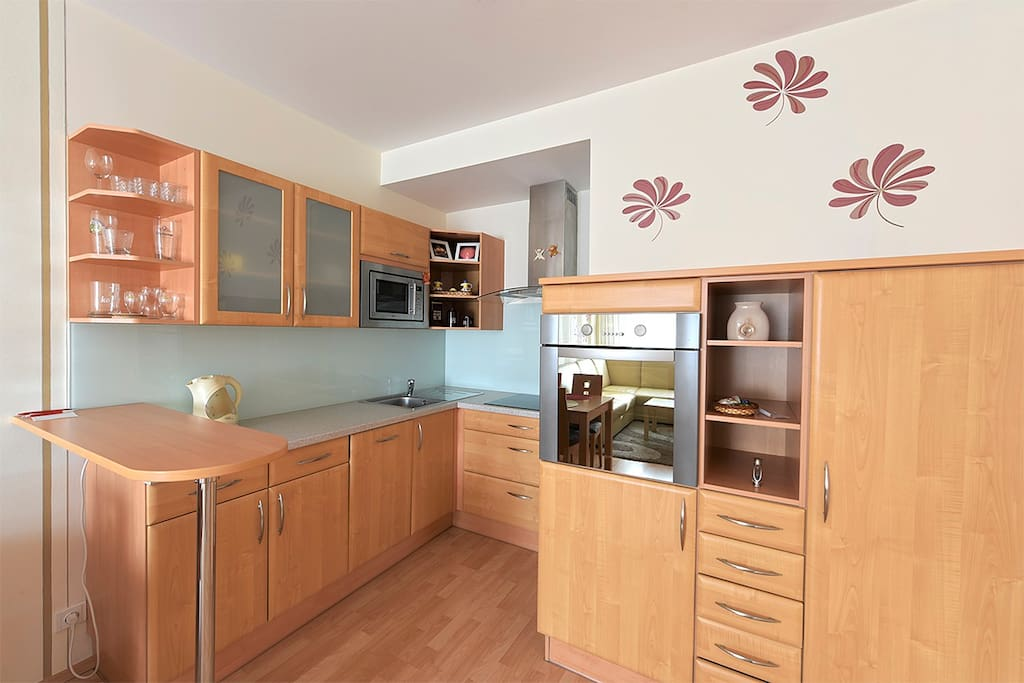 Kitchen - electric stove, kettle, oven, microwave