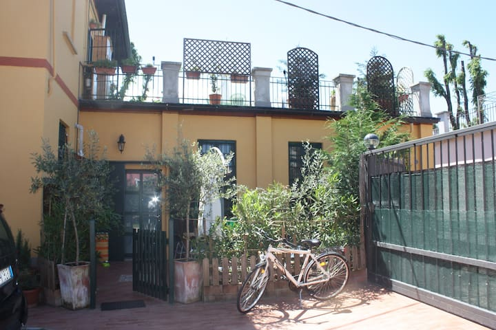 Villa nearby Naviglio Martesana - Vimodrone - House