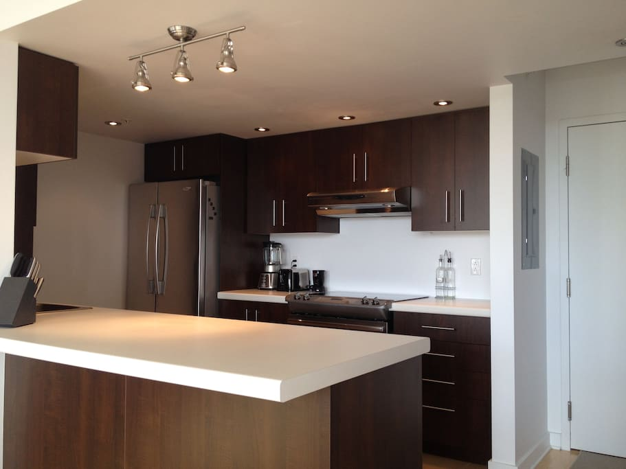 Kitchen with high end equipments. Dishwasher, Convection stove etc. All in stainless steel.