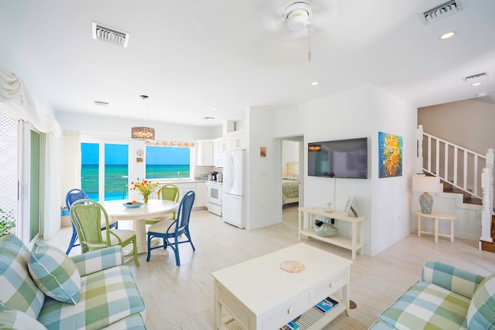 Coral Cottage Yellow: A Scuba Diver's Paradise with Infinity Pool & Ocean Reef Walls