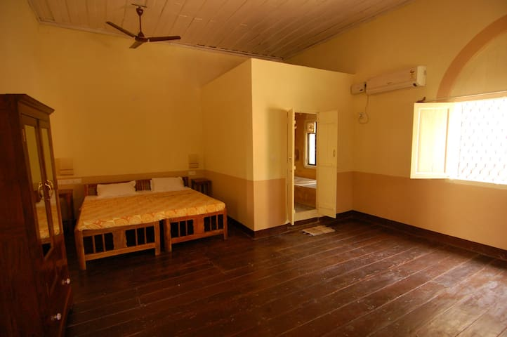 A cozy heritage home away from home - Panaji - Bed & Breakfast