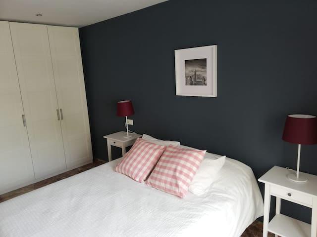 cama 150, colchón y almohadas viscoelásticas