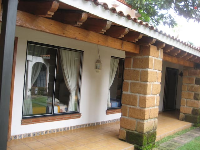 Nice 1BR Bungalow for 1 or 2 guests in Cuernavaca