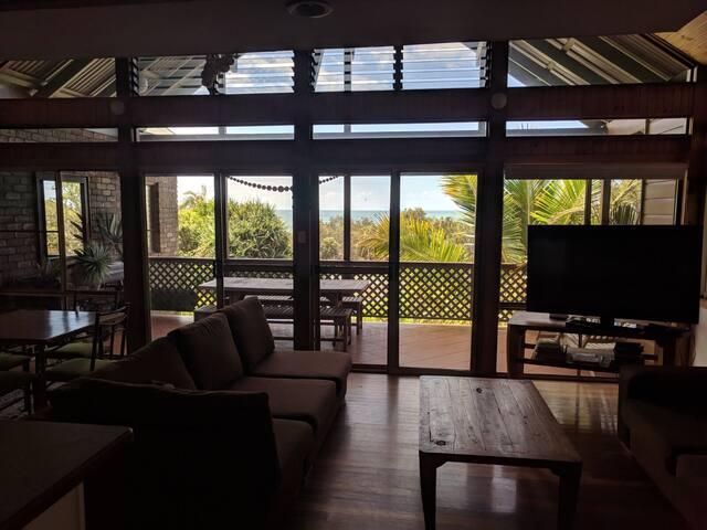 BEST LOCATION BEACH HOUSE 100m Beach Cafes & Pools