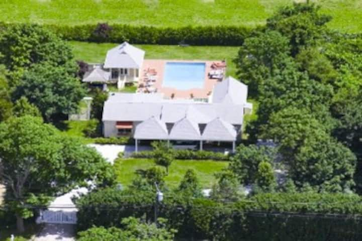 HOUSE IS NOW OPEN! - HEART of HAMPTONS- So. of Hwy