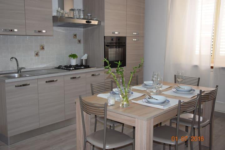 EMMANUEL CASA VACANZE - Pozzallo - Dům