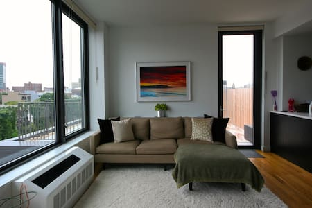 Modern 2bdrm with private terrace!