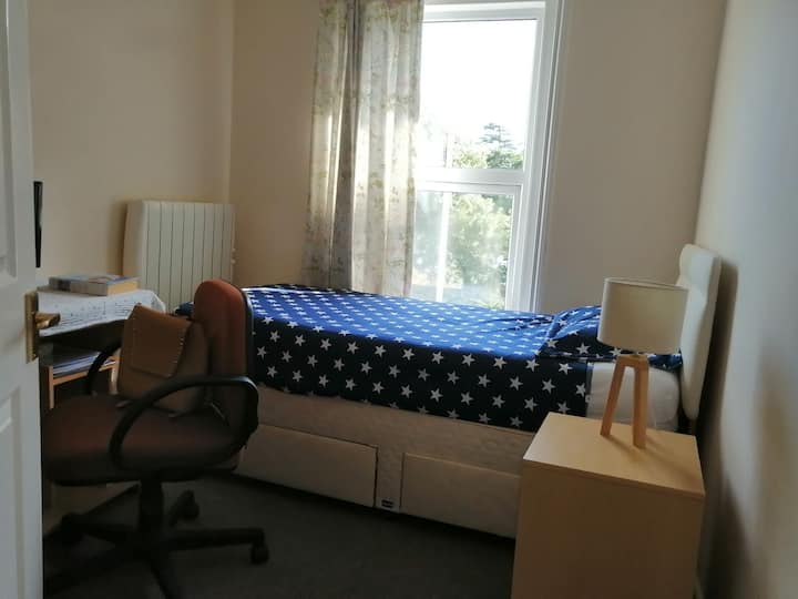 Beautiful room in branksome in Poole