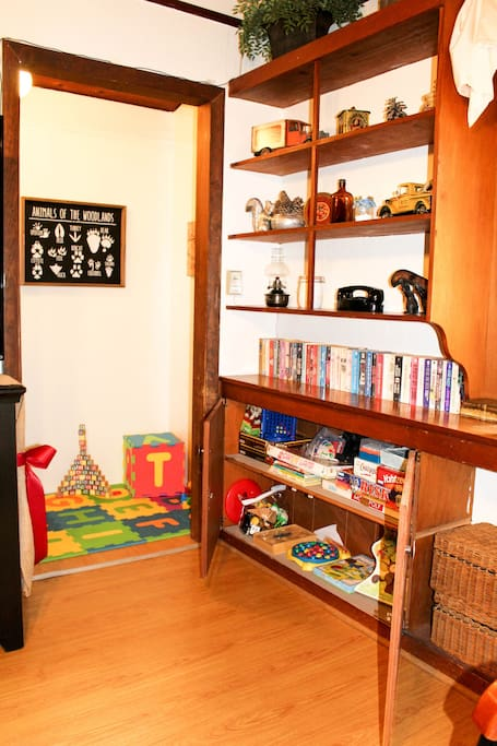 Kid's cubby, and corner with books and games