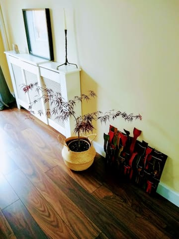 living room : plant + art piece