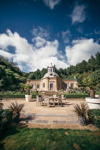 Summerhouse - Devon Sculpture Park